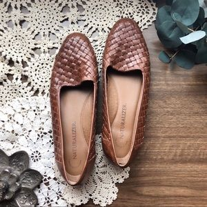 Naturalizer | vintage leather woven flats